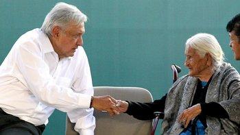 """La """"austeridad republicana"""" beneficia a los ancianos en México."""