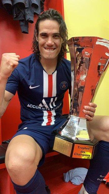 Edinson Cavani logró su vigésimo título en PSG