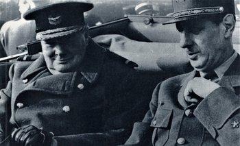 Winston Churchill y Charles de Gaulle en París, el 11 de noviembre de 1944