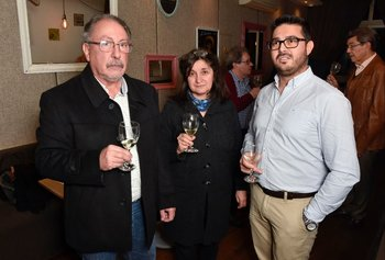 Álvaro Capra, Ángela Secchiari y Albert Acosta