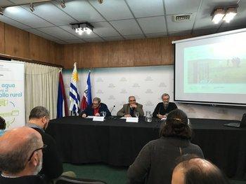 José Olascoaga, Enzo Benech y José Bervejillo.
