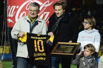 El homenaje de Peñarol a Diego Forlán