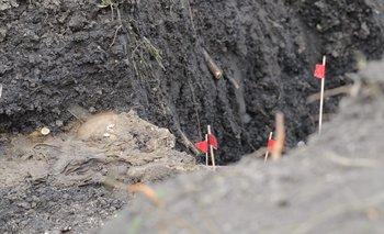 El cráneo del cuerpo encontrado semi enterrado en el batallón N° 13