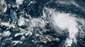 Dorian ha ganado en intensidad a medida que su trayectoria apunta hacia la península de Florida.