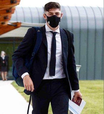 Federico Valverde en su llegada a Manchester
