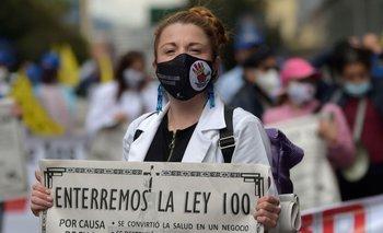 Las protestas contra la Ley 100, pilar del sistema de salud colombiano, han vuelto con la pandemia