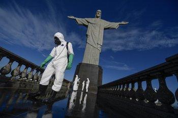 Brasildebe mantener o aumentar el ritmo de vacunación para poder retomar plenamente las actividades, según especialistas