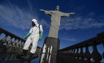 La desinfección por coronavirus llega hasta el Cristo Redentor en Río de Janeiro