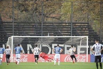 El 1-0 de Pastorini, de penal