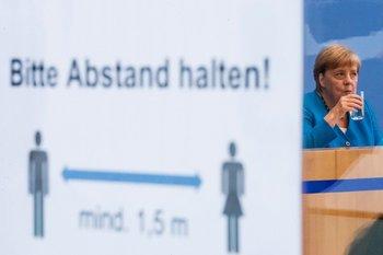 Alemania levanta restricciones de reunión y aforo a personas vacunadas