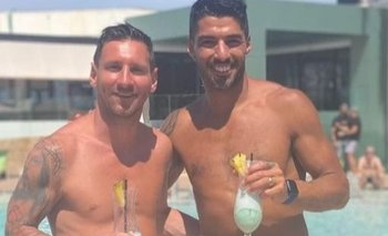 Lionel Messi y Luis Suárez continúan sus vacaciones en Ibiza