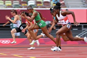Tsimanouskaya en la serie de 100 m