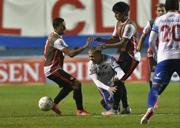Ocampo cae entre Darias y Matías De los Santos