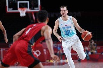Zoran Dragic, 27 puntos, 6 rebotes, 4 asistencias