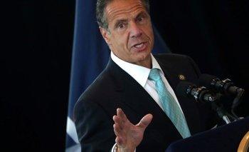 El gobernador de Nueva York, Andrew Cuomo, enfrenta crecientes presiones para que renuncie