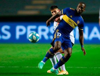 Luis Advíncula debutó con la camiseta de Boca