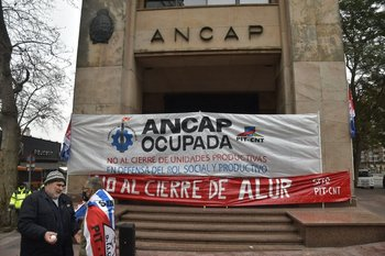 La protesta reclama por el cierre de Alur