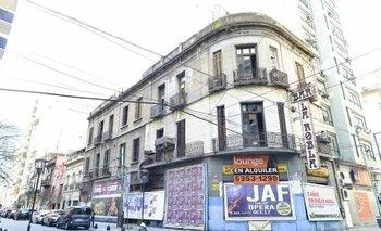 La casa está en venta y, si bien tiene 50 años, tiene como destino la demolición para construir nuevos edificios
