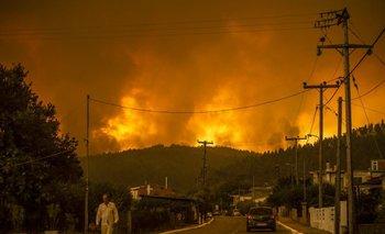 Incendio en la la isla griega de Eubea, la segunda más grande del país