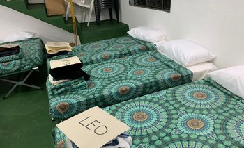 Las camas tenían los nombres de las personas que dormirían en el parador
