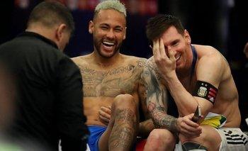 Neymar y Messi a las risas