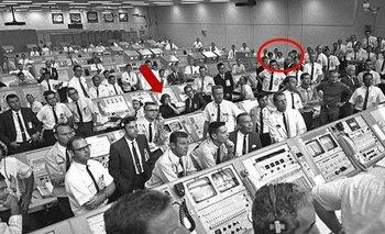 La mesa de control de la NASA que ayudó a que el hombre llegara por primera vez a la Luna.