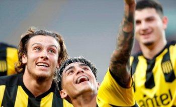 La selfie de su gol ante Sporting Cristal junto a Agustín Canobbio