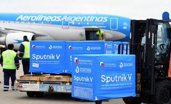 Argentina comenzó la distribución de la Sputnik V producida localmente