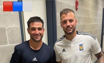 La foto que se sacaron Nicolás Lodeiro y Nicolás López tras enfrentarse en en Estados Unidos.