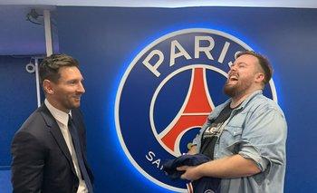 Ibai Llanos entrevista a Messi en la presentación del futbolista argentino como nuevo jugador del PSG.
