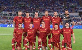 Roma, con Matías Viña en el equipo