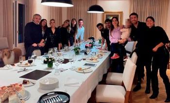 Fernández se presentó sin abogados ante la Justicia este jueves. La foto de un cumpleaños en la Quinta de Olivos durante la cuarentena en Buenos Aires derivó en denuncias penales y ampliaciones