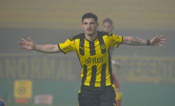 Agustín Álvarez Martínez en el radar de la selección uruguaya