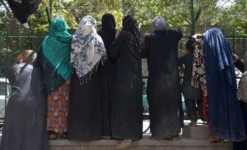 Los influencers afganos desaparecen de las redes sociales luego de la llegada de los talibanes a Kabul