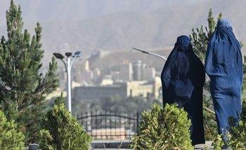 Dos mujeres con burka
