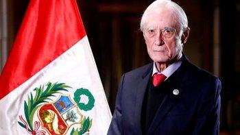 La renuncia del canciller añade más incertidumbre política a la gestión de Castillo, lo que está provocando que la cotización de la moneda peruana, el sol, frente al dólar haya caído a mínimos históricos.
