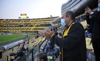 El presidente de Peñarol ya inició gestiones para que puedan ir hinchas a Curitiba a ver el partido revancha por la Copa Sudamericana