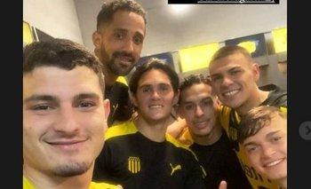 El festejo de Agustín Álvarez y sus compañeros tras el pase a semifinales