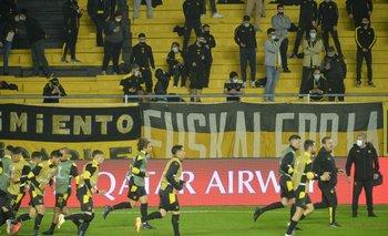 Peñarol frente a Sporting Cristal en el Campeón del Siglo