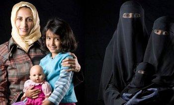 """La obra, llamada """"Madre, hija y muñeca"""", fue creada en 2010"""