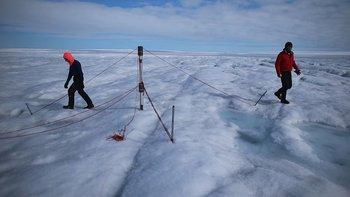 La Cumbre de Groenlandia nunca tiene las condiciones atmosféricas para generar precipitaciones.