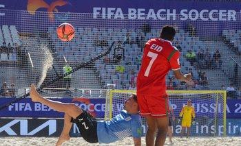 La selección uruguaya de fútbol playa derrotó 4-2 a Omán