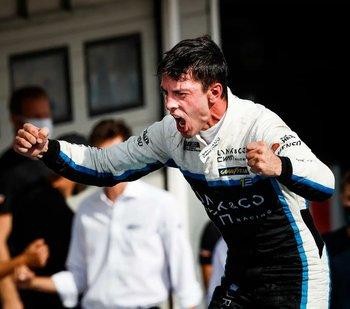 Santiago Urrutia, primera vez en Uruguay