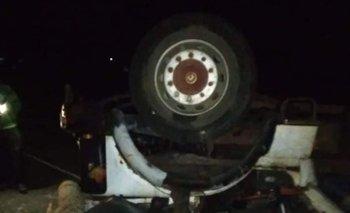 El vehículo que perdió el cargamento se dirigía hacia Tala mientras que el otro se iba de esa localidad