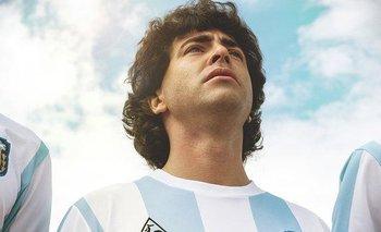 """Nazareno Casero es uno de los que interpreta a Diego Armando Maradona en la serie """"Sueño bendito"""""""