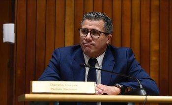 Un mes después de atacar al edil, Correa presentó su renuncia a la Junta de Maldonao y suplió a Rodrigo Blás en la Cámara de Diputados
