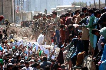 ¿Alguien pensaba que las recientes escenas en el aeropuerto de Kabul era de gente que solo quería huir del Talibán?