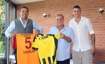 Ignacio Ruglio, Fatih Terim, el técnico de Galatasaray, y el arquero del equipo y de la selección uruguaya, Fernando Muslera