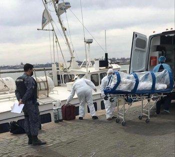 Prefectura debió evacuar a seis tripulantes de un barco lituano