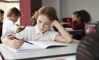 Quedarse quietos mientras aprendemos supone una carga cognitiva adicional